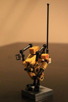 "(Radiation Hazard - Surface Exploration Drone) ""The surface of Europa is exposed to intense radiation, thus the drones. Cool Lego, Awesome Lego, Lego Creative, Lego Boards, Amazing Lego Creations, Lego Mechs, Brick Loft, Lego War, Custom Lego"