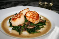 Sauteed Scallops with Mushroom and Spinach Sauce - DIY Recipe Book