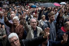 A vote on creating a Catalan autonomous state led to clashes at the ballot box.