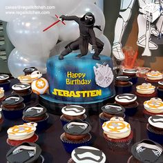 Star Wars The Force Awakens Cake and Cupcakes | Cakes by The Regali Kitchen