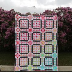 A few months ago I was asked by Yoko at @lecien_fabrics to make a quilt out of the new Flower Sugar fabric line for their booth at Market. Since I live in Utah and would be able to actually see it IN action in their booth I said yes!! The pattern will be available next week in our shop (link in profile). ALSO! Just a few more hours left to get 20% off our preorder using the promo code MV20!  #makervalley #quiltmarket #husbandsholdingquilts #flowersugarfabric by makervalley