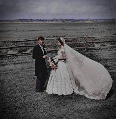 jfk kennedy Jacqueline Bouvier 50s wedding http://modernauta.co.vu