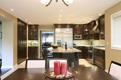 magnificent-kitchen-craft-cabinet-with-dining-area.jpg (1115×743)