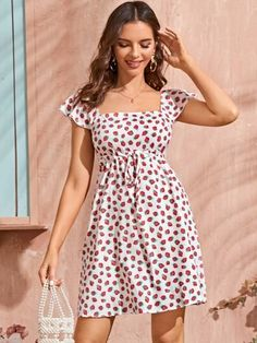 To find out about the Allover Strawberry Square Neck Drawstring A-Line Dress at SHEIN, part of our latest Dresses ready to shop online today! Ankara Gown Styles, Short Dresses, Summer Dresses, Women's Dresses, Festival Dress, Latest Dress, Buy Dress, Clothing Patterns, Boho Fashion