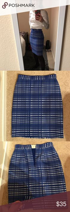 """LIKE NEW Blue Plaid Banana Republic Skirt Beautiful blue and white plaid skirt, only worn a few times! Tighter fitting and hemmed, length 21.5"""" 14""""waist. Slip underneath. Perfect for that big work meeting! Dry clean only. Banana Republic Skirts Pencil"""