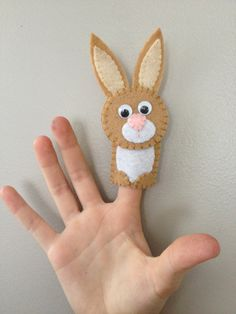 Perfect for an Easter gift! Awesome for daycares, preschools, playgroups, and an awesome tool for interactive storytelling and sing-a-longs Felt Puppets, Puppets For Kids, Felt Finger Puppets, Felt Crafts, Easter Crafts, Easter Gift, Easter Party, Easter Decor, Easter Ideas