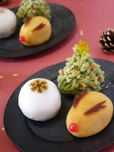 Awww too cute Japanese Sweets, Japanese Food, Holiday Desserts, Holiday Recipes, Cute Food, Yummy Food, Bento Kids, Food Presentation, Christmas Baking