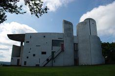 Le Corbusier – Kaplica Nôtre Dame do Haut w Ronachamp bryła z różnych stron