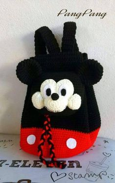 Hobbies And Crafts, Fun Crafts, Walt Disney, Minnie Mouse, Crochet Hats, Beanie, Purses, Christmas Ornaments, Holiday Decor