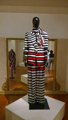 Striped blazer and palazzo pants - giaccha blazer e pantaloni palazzo a righe  #fashion #vintage #gianfrancoferre #stripes