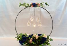 It amazes me what you can do with a 1 hula hoop from the Dollar Tree. This hula hoop wedding hack is such a clever idea if I do say so myself. Wedding Decorations On A Budget, Wedding Themes, Wedding Tips, Wedding Table, Wedding Planning, Wedding Ceremony, Wedding Hacks, Trendy Wedding, Budget Wedding