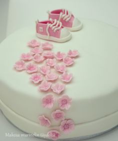 ristiäiskakku - pink christening cake