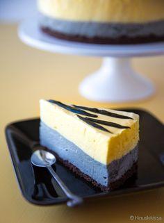 Desert Recipes, Raw Food Recipes, Sweet Recipes, Cake Recipes, Finnish Recipes, Raw Cake, Just Eat It, Raw Chocolate, Cute Cakes