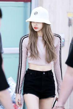 Blackpink in your area 💜💜 Blackpink Outfits, Fashion Outfits, Work Outfits, Blackpink Fashion, Korean Fashion, Petite Fashion, Moda Kpop, Lisa Black Pink, Kpop Mode