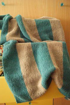 Manta para bebe tejida a rayas by Patch con Chocolate