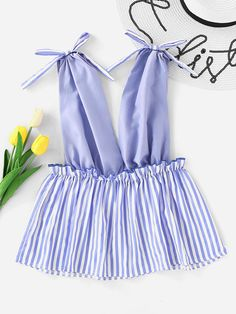 Shop Plunging V-neckline Contrast Striped Hem Top online. SheIn offers Plunging V-neckline Contrast Striped Hem Top & more to fit your fashionable needs. Fashion Sewing, Fashion Clothes, Fashion Dresses, Cute Fashion, Look Fashion, Womens Fashion, Vetement Fashion, Mode Chic, African Print Fashion