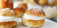 Laskiaispullat mantelimassalla Doughnut, Hamburger, Bread, Desserts, Food, Tailgate Desserts, Deserts, Brot, Essen