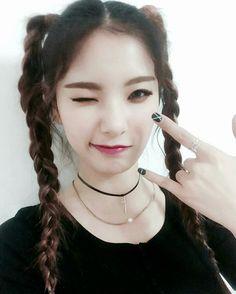 Saebyeol [#matilda #kpop #boxmedia #haena #dan-a #semmi #saebyeol #girlsgroup] Matilda, Asian Beauty, Dan, Chokers, Hoop Earrings, Kpop, Makeup, Make Up, Beauty Makeup