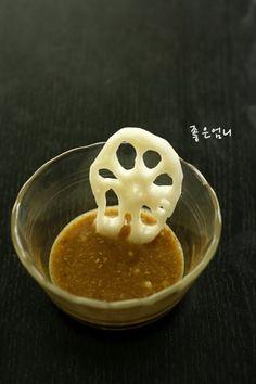 모든 야채를 휘어잡는 드레싱 소스 : 네이버 블로그 Korean Dishes, Korean Food, K Food, Good Food, My Best Recipe, Kimchi, Salad Dressing, Food Plating, Asian Recipes