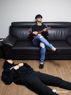 "Himchan and i think that's Daehyun on the floor like, ""serenade me hyung."" Lol"