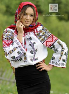 IA the Romanian Blouse. Here you can buy Romanian peasant blouses ie and folk costumes traditional clothes. Worldwide shipping for embroidered Romanian blouse Bohemian Tops, Bohemian Style, Doll Costume, Costumes, Peasant Blouse, Embroidered Blouse, Ethnic Fashion, Fashion History, Traditional Dresses