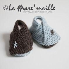 Chaussons bébé en laine bleu tendance envoi eco - la mare'maille