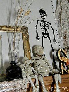Ucreate with Kids: My Halloween Mantel