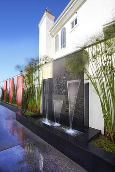 water feature at the pool side of the house. Poss instead of water feature at end of the pool Garden Waterfall, Waterfall Fountain, Wall Waterfall, Indoor Waterfall, Outdoor Water Features, Water Features In The Garden, Wall Water Features, Modern Landscaping, Backyard Landscaping