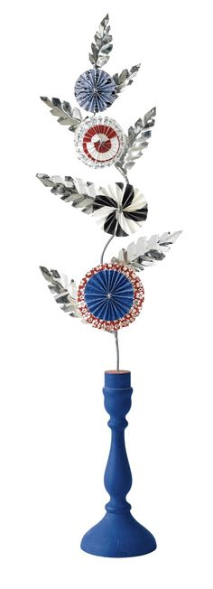 Contemporary crafts with inspiration from Swedish folklore, by Karin Ferner Metal Crafts, Recycled Crafts, Paper Crafts, Swedish Style, Paper Decorations, Folklore, Decor Crafts, Handicraft, Paper Flowers