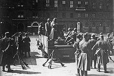 Soldiers of the Austrian Army in Vienna during the Austrian Civil War in 1934 Carl Von Clausewitz, Klagenfurt, Fight For Freedom, History Online, The Third Reich, Democratic Party, Warfare, World War Ii, Field Marshal