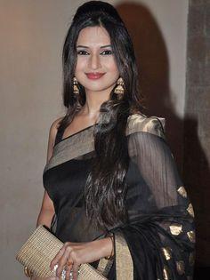 Gorgeous Divyanka Tripathi #Nice Black Saree# Beautiful Smile# TV actress Photographs TV ACTRESS PHOTOGRAPHS | IN.PINTEREST.COM ENTERTAINMENT #EDUCRATSWEB