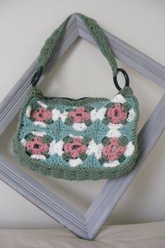 Crochet Granny Square Purse Part 1 Crochet Granny, Free Crochet, Purse Patterns, Crochet Patterns, Granny Square Bag, Knitted Bags, Crochet Bags, Crochet Videos, Purses And Bags