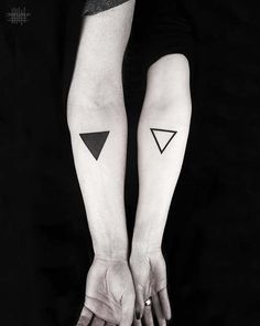81 Cute Couple Tattoos That Will Warm Your Heart - Tattoo - Tatouage Cute Couple Tattoos, Tattoos For Guys, Tattoos For Women, Tattoos For Couples, Tattoos Skull, Sleeve Tattoos, Tatoos, Unique Tattoos, Cool Tattoos