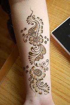 henna Mehndi Art, Henna Mehndi, Henna Art, Henna Tattoos, Henna Tattoo Designs Simple, Arabic Henna Designs, Foot Henna, Hand Henna, Henna Elephant