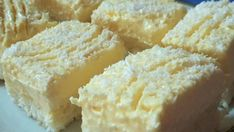 Krispie Treats, Rice Krispies, Cornbread, Cheesecake, Tiramisu, Food And Drink, Dessert Recipes, Baking, Ethnic Recipes