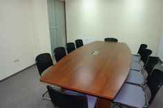 STRATUS conference table with media port