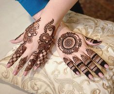 Pretty Henna Designs, Latest Henna Designs, Henna Tattoo Designs Simple, Finger Henna Designs, Back Hand Mehndi Designs, Stylish Mehndi Designs, Henna Art Designs, Mehndi Designs For Girls, Mehndi Designs For Beginners