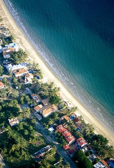 BUCERÍAS, RIVIERA NAYARIT.- A traditional Mexican town with cobblestone streets, brightly colored homes with enormous wooden doors and an overall feeling of tranquility.
