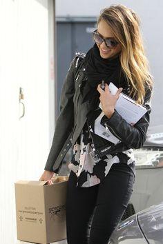 Love her (street) style: Jessica Alba