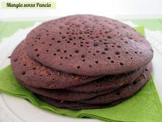 Golosi pancakes al cacao vegan, facilissimi da fare in pochi minuti e farcire a piacimento. Ideali anche per chi è intollerante al glutine e al lattosio!