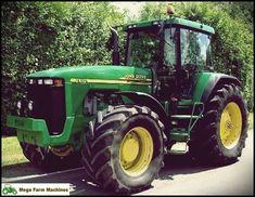 This is a John Deere - New Holland - Massey Ferguson New Holland, Tractors