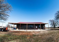 Amazing Oklahoma Barndominium - Pictures, Builder Info, Cost, and More Metal Barn House Plans, Metal Building House Plans, Metal Barn Homes, Build House, Barndominium Pictures, Barndominium Floor Plans, L Shaped House, Shed Homes, Kit Homes