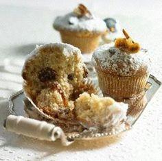 Stollen-Muffins mit Feigen & Datteln Muffins, German Stollen, German Christmas, Christmas Baking, Baked Goods, Cupcakes, Breakfast, Desserts, Food