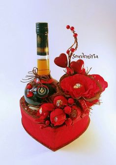 Being deeply loved by someone gives you strenght, while loving someone deeply gives you courage…Happy Valentine's Day! the composition does NOT include the bottle and the price does NOT… Valentines Flowers, Valentines Diy, Happy Valentines Day, Liquor Bouquet, Candy Bouquet, Flower Box Gift, Wine Bottle Gift, Chocolate Bouquet, Chocolate Gifts