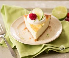 Creamy Key Lime Cheesecake: Try this gorgeous, tangy and refreshing cheesecake – ready with just a handful of ingredients! Easy Desserts, Delicious Desserts, Dessert Recipes, Yummy Food, Key Lime Cheesecake, Cheesecake Recipes, Tastefully Simple Recipes, Keylime Pie Recipe, Recipe For 4