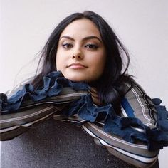 Camila Mendes is officially the minimalist we aspire to be! The Riverdale actress revealed to Racked that she cleanses her closet every month to get rid of pieces she isn't using enough. Vanessa Morgan, Photomontage, Camila Mendes Veronica Lodge, Camila Mendes Riverdale, Petsch, Camilla Mendes, Netflix, Riverdale Cast, Beautiful Actresses