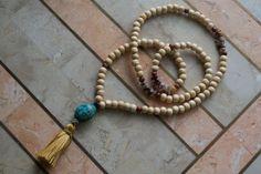 Off white wood mala beads with mookaite chips by ShantiPresence #yoga #yogajewelry #malabeads
