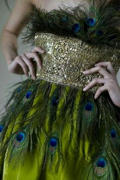 Peacock feather dress - Perfect for Judy Peacock Dress, Peacock Colors, Peacock Feathers, Green Peacock, Feather Dress, Peacock Costume, Peacock Theme, Peacock Halloween, Peacock Shoes