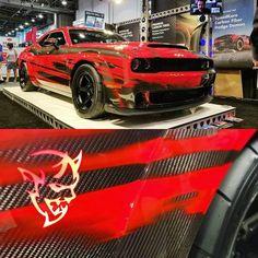 Sexy😍 demon with carbon fiber? Modern Muscle Cars, Custom Muscle Cars, Dodge Muscle Cars, Dodge Challenger Srt Hellcat, Dodge Srt, Doge Challenger, Rougue One, Truck Mechanic, Diesel Performance