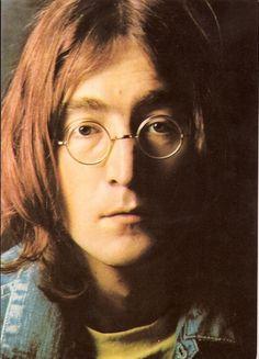 "John Lennon and Julian Lennon, for whom Paul McCartney wrote ""Hey Jude"""